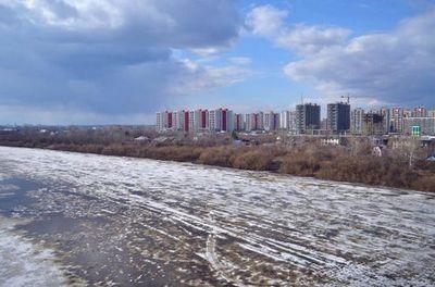 Тюменский онф взял на контроль сброс грязного снега и мусора в туру