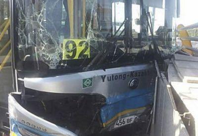 В алматы перевозчик обещает оплатить лечение всем пострадавшим в дтп с автобусом