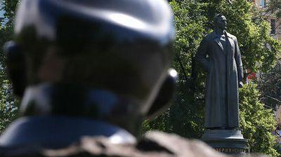 В орле открыли первый в россии памятник ивану грозному