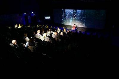 В тюмени стартовал международный театральный фестиваль живые лица
