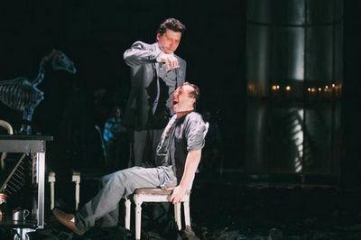 """В тюменском драмтеатре прошли премьерные показы """"господ головлёвых"""""""