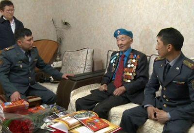 Военнослужащие нацгвардии побывали в гостях у ветеранов вов