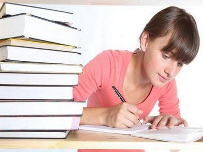 Выпускники российских школ будут писать сочинения