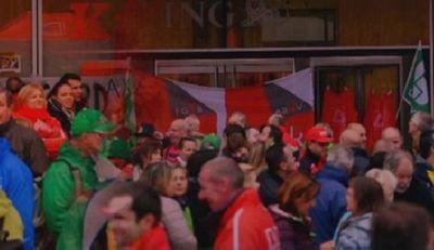Выступления против сокращений в банке ing прошли в брюсселе