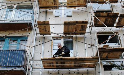 Заброшенные многоэтажки восстанавливают в степногорске