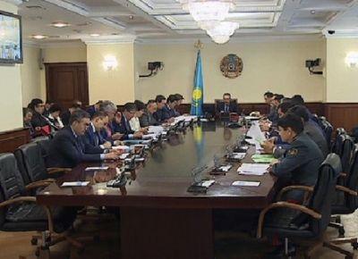 Задолженность по зарплатам обсудили на заседании правительства