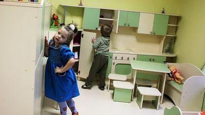 Закон «димы яковлева» год спустя: ольга баталина отчиталась по ситуации с российскими сиротами за 2013 год