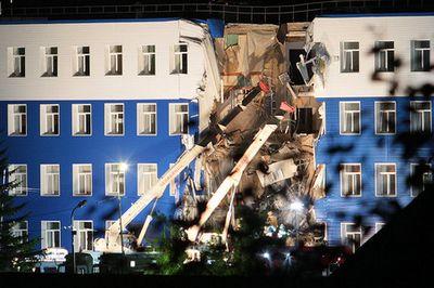 Жалоба по делу об обрушении казармы передана из омска в москву