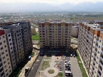 Жители еще одного дома в микрорайоне «алгабас» покидают свои квартиры