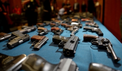Журналисты взялись за оружие