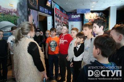 Звезды хк «трактор» провели большую тренировку для детей из глубинки - «новости челябинска»